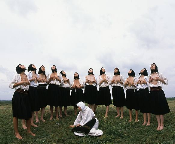 Artwork_images_140199_189371_marina-abramovic