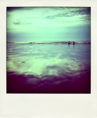 Couple-in-beach-polaroid