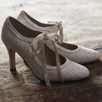 Buttercup-shoe-l
