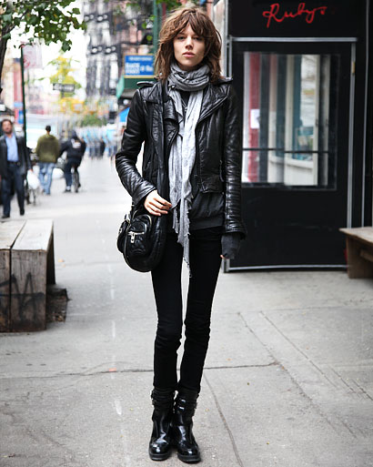 57239878b270663a_street_fashion_leather_jackets