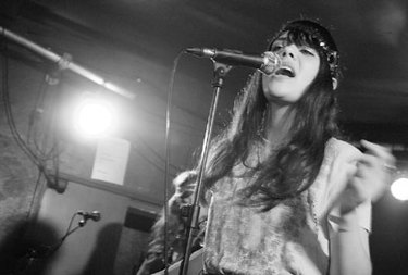 Bat_for_lashes_004_420x284